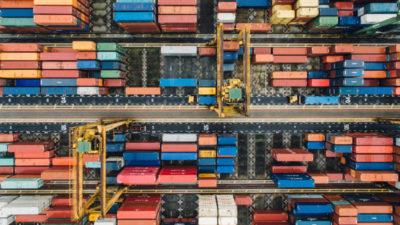 Containerumschlagsplatz Vogelperspektive